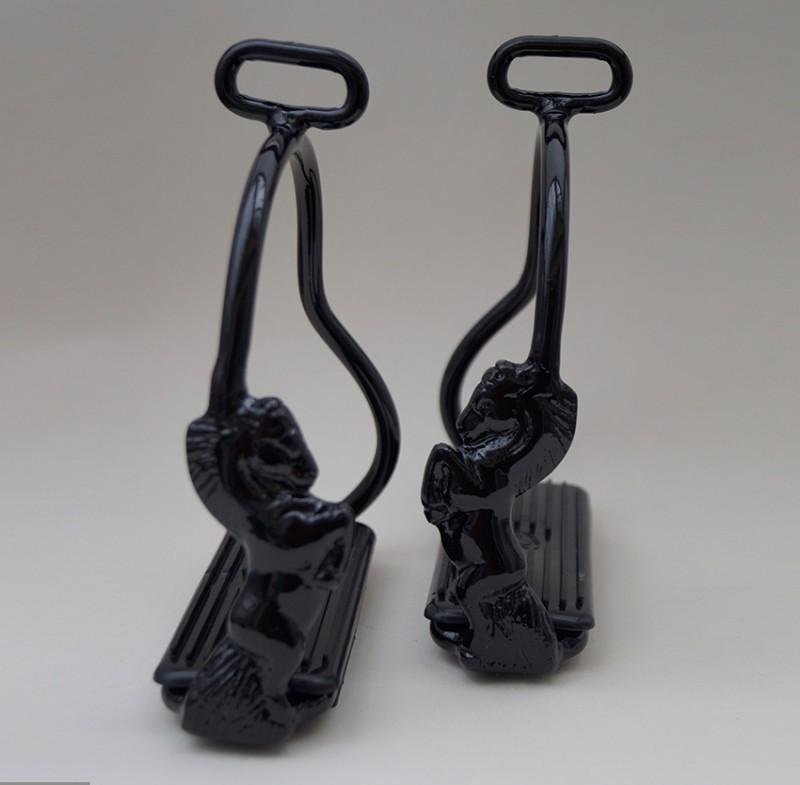 Steigbügel mit steigendem Pferd - Black Edition 5